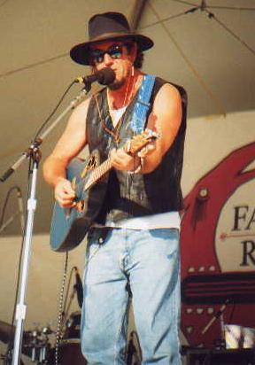 [Greg performing at FRFF 1999]